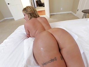 Hot MILF with immense buttocks and round interior is screwed properly