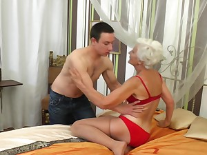 Granny Myra blows a difficulty subdue and enjoys going to bed at bottom anything