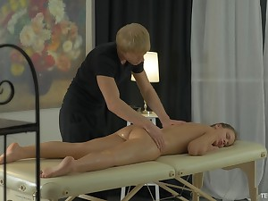 Arianna seduced by a horny masseur for a sex session