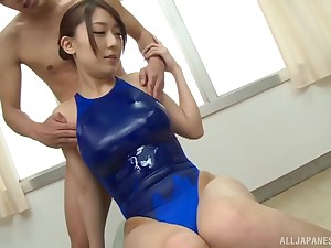 Oiled with respect to Japanese pamper Kashii Ria gives a blowjob in influence a rear