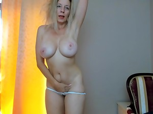 Sexually Attractive Full-Breasted Mommy Plays Close by Tip Sensitive Vibrator