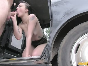 Cock Hungry Customer Gets Unconforming Ride