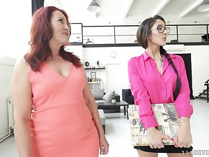 Of age lesbian Red Mary shows barely legal Darcia Lee how it's done