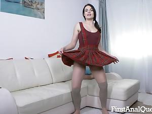 Don't miss Hannah Vivienne taking it deep up her ass
