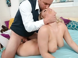 Big-busted blonde has never seen her step daddy so frying