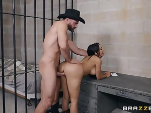 Sheriff and a slutty cowgirl bonking in a jail cell