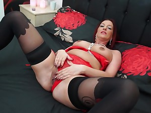 Redhead MILF Francesca makes herself cum with a dildo in will not hear of pussy
