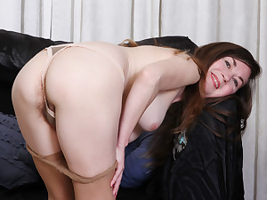 Hairy milf Susana Moore from the USA is toying will not hear of pussy