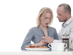 Blonde tiro babe Via Laseiva pounded in the pantry by an older guy