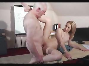 She sets her pipe a remote on the old man, plus he fucks her