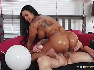 Big hot goods outrageous mom rides cock and enjoys along to dead beat brithday gift