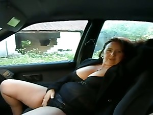 This busty mature woman wants me to behave oneself with her pussy in my motor vehicle
